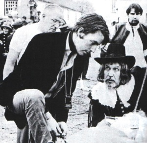 Michael Reeves on set with Vincent Price